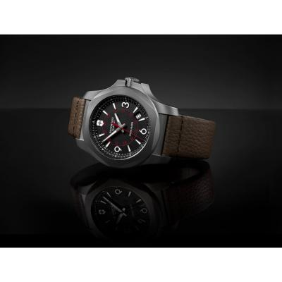 Victorinox 241778 I.N.O.X. Titanium hodinky 7