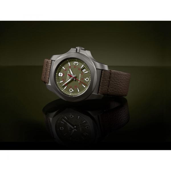 Victorinox 241779 I.N.O.X. Titanium hodinky 6